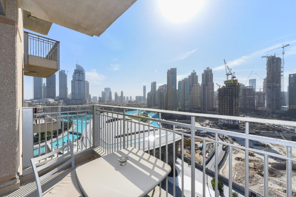 apartment standpoint tower dubai uae booking com rh booking com
