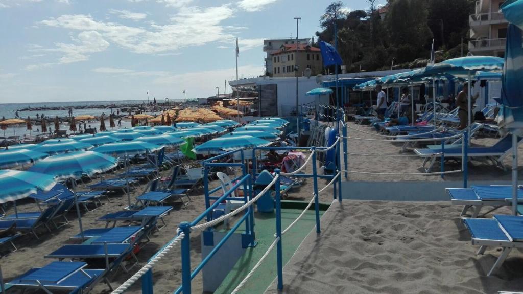 Hostel soggiorno marino imperia italy for Soggiorno merano