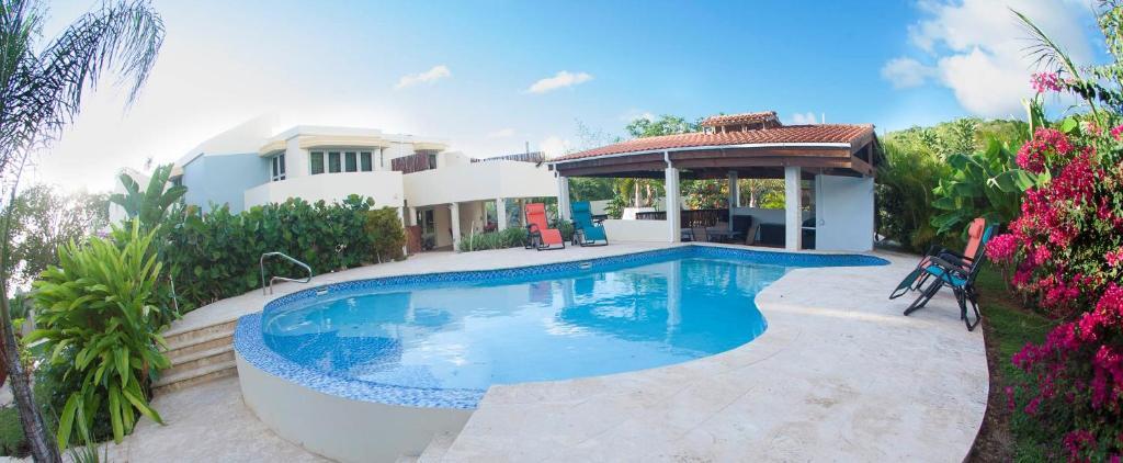 A la bella noni bed breakfast aguadilla puerto rico for Casas con piscina para alquilar en puerto rico