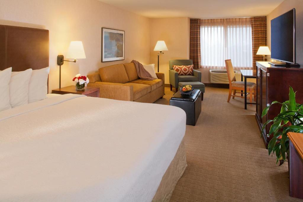 Silver Cloud Inn Redmond Belle Wa Booking Com