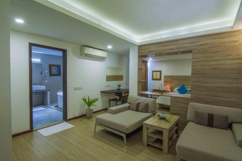 beachwood hotel and spa at maafushi maldives booking com rh booking com