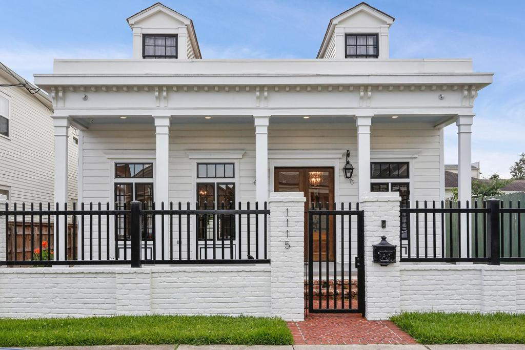 Vacation Home Neville Brothers Historic Home New Orleans La