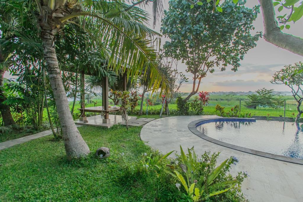 Genial Piscine De Lu0027établissement Villa Du0027Carik Bali Ou Située à Proximité