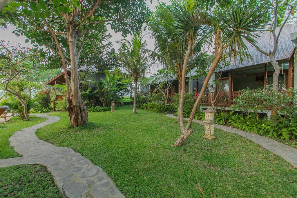 Charmant Jardin De Lu0027établissement Villa Du0027Carik Bali
