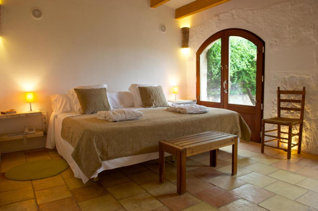 boutique hotels in sant lluis  12