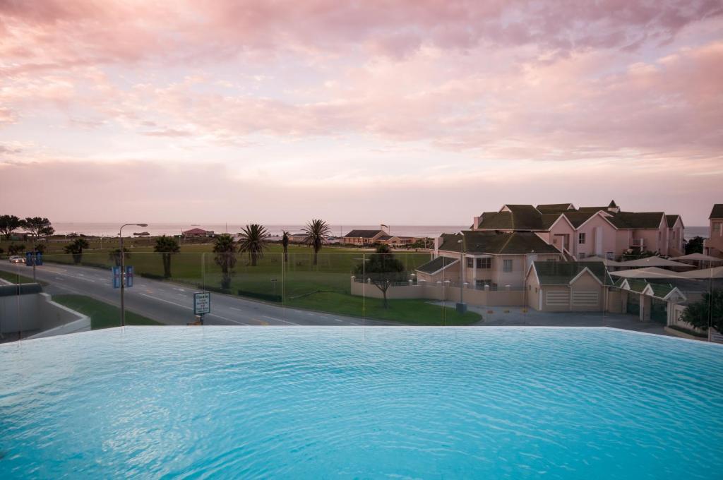 Hotel radisson blu port elizabeth south africa - Beach hotel port elizabeth contact details ...