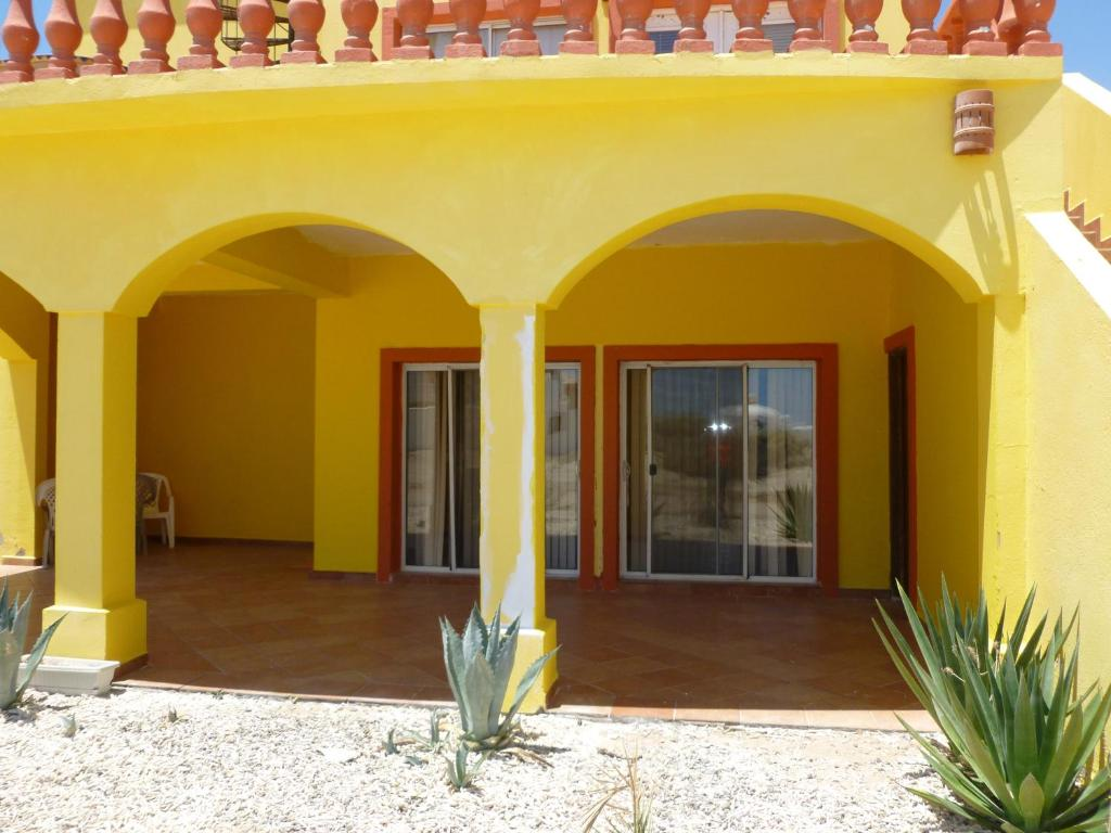 Vacation home casa amarilla by fmi rentals rocky point Casa amarilla sucursales