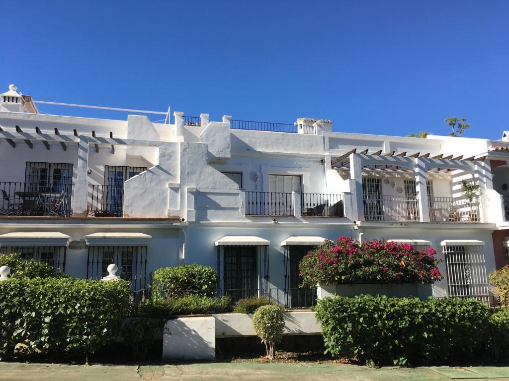 Casa de Férias Aloha Pueblo 7 (Espanha Marbella) - Booking.com