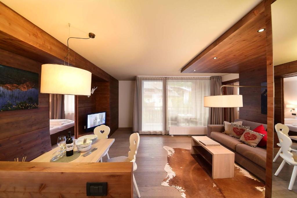 Ariston Dolomiti Residence, Dobbiaco – Prezzi aggiornati per il 2019