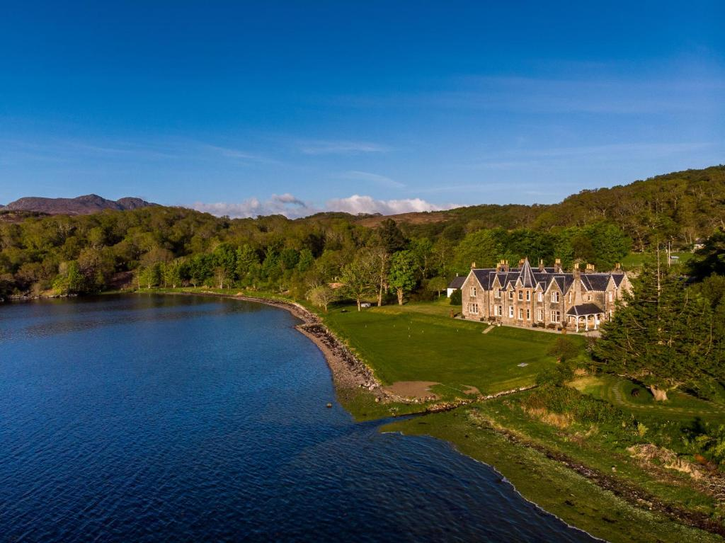 A bird's-eye view of Shieldaig Lodge Hotel