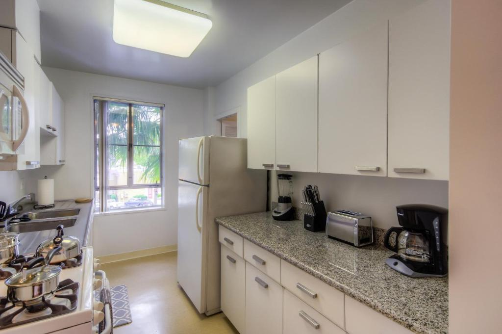 Two bedroom apartment near the grov los angeles ca - 2 bedroom apartments los angeles ...