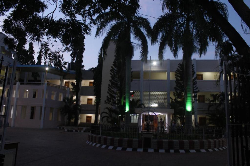 Hotel Puduvai Ashok