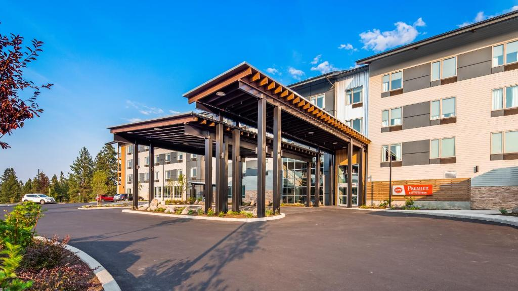 Best Western Premier Peppertree Inn Bend Or Booking Com