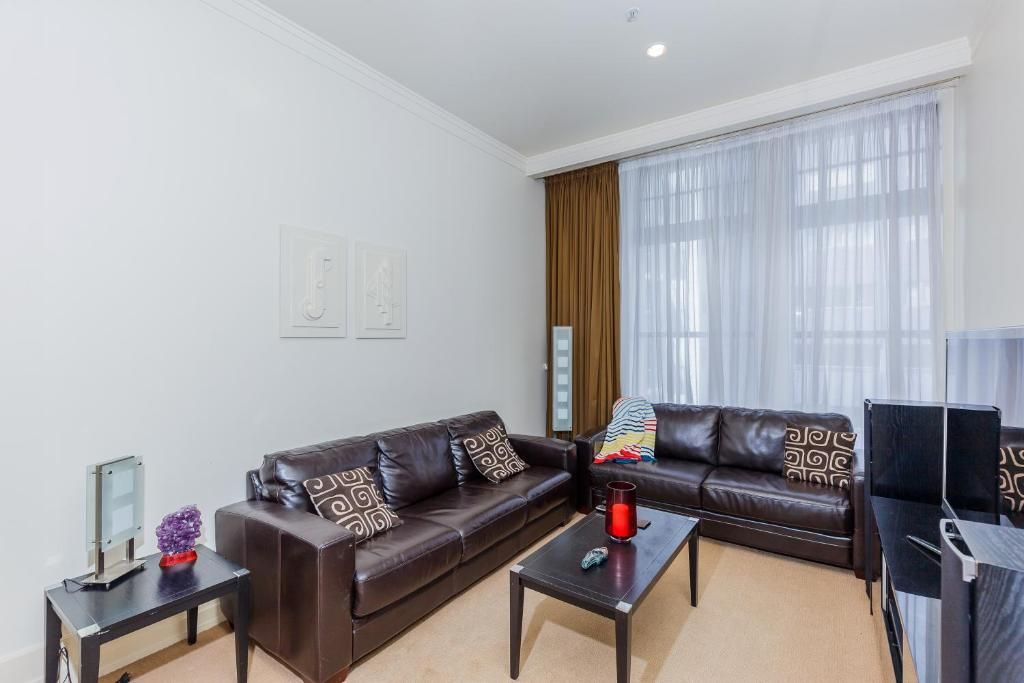 Furnished apartment in auckland cbd new zealand - Swimming pool maintenance auckland ...