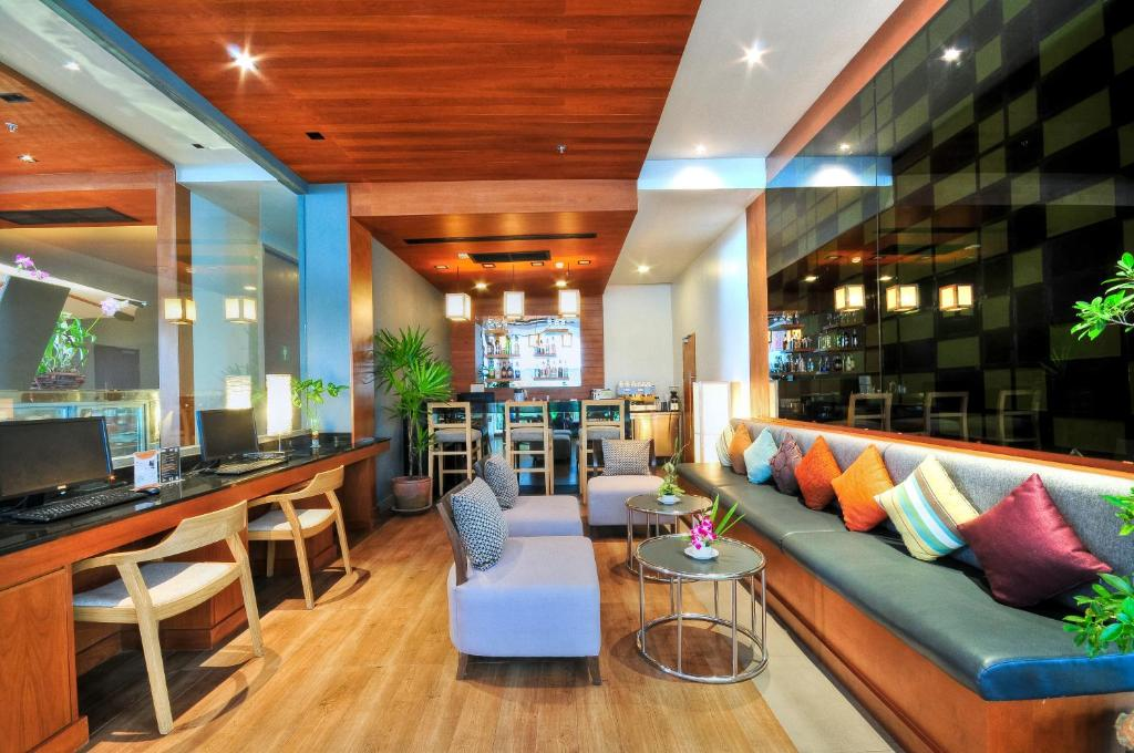 The ASHLEE Heights Patong Hotel & Suites