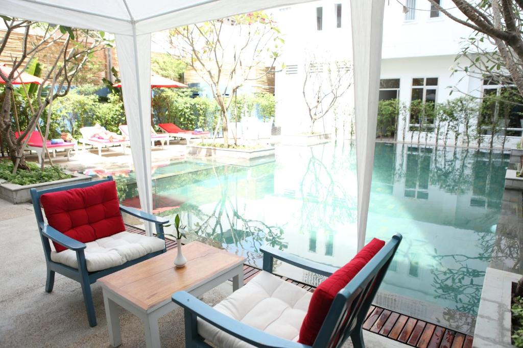 hotel frangipani living arts phnom penh cambodia booking com rh booking com