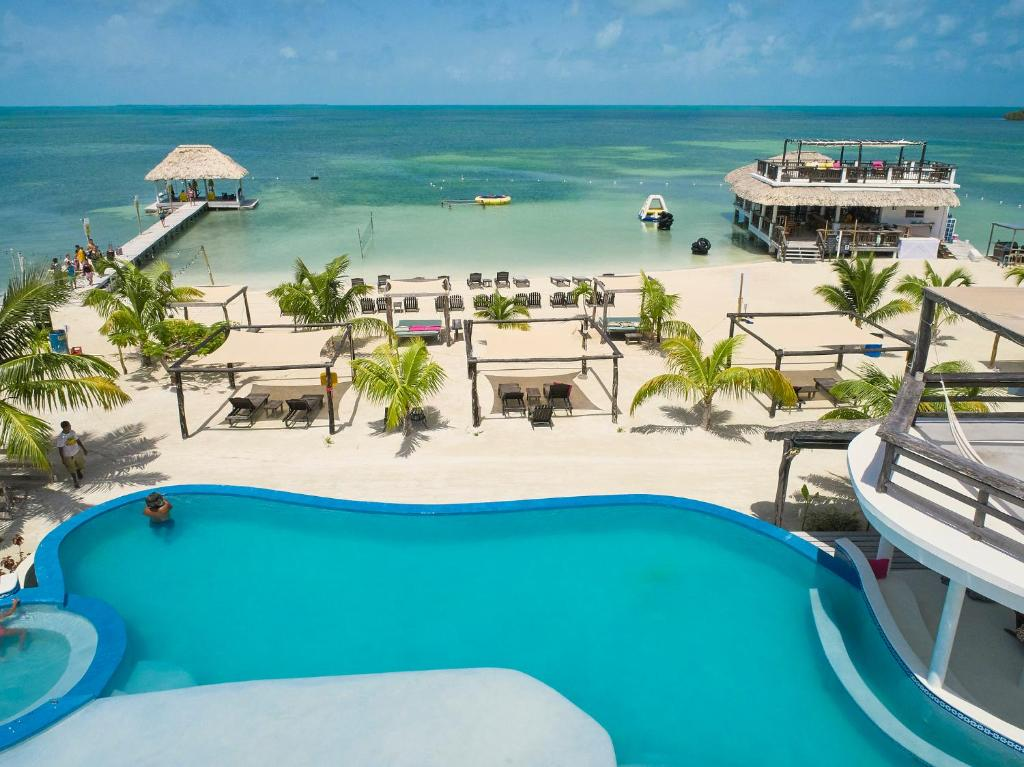 A view of the pool at We'Yu Boutique Hotel or nearby