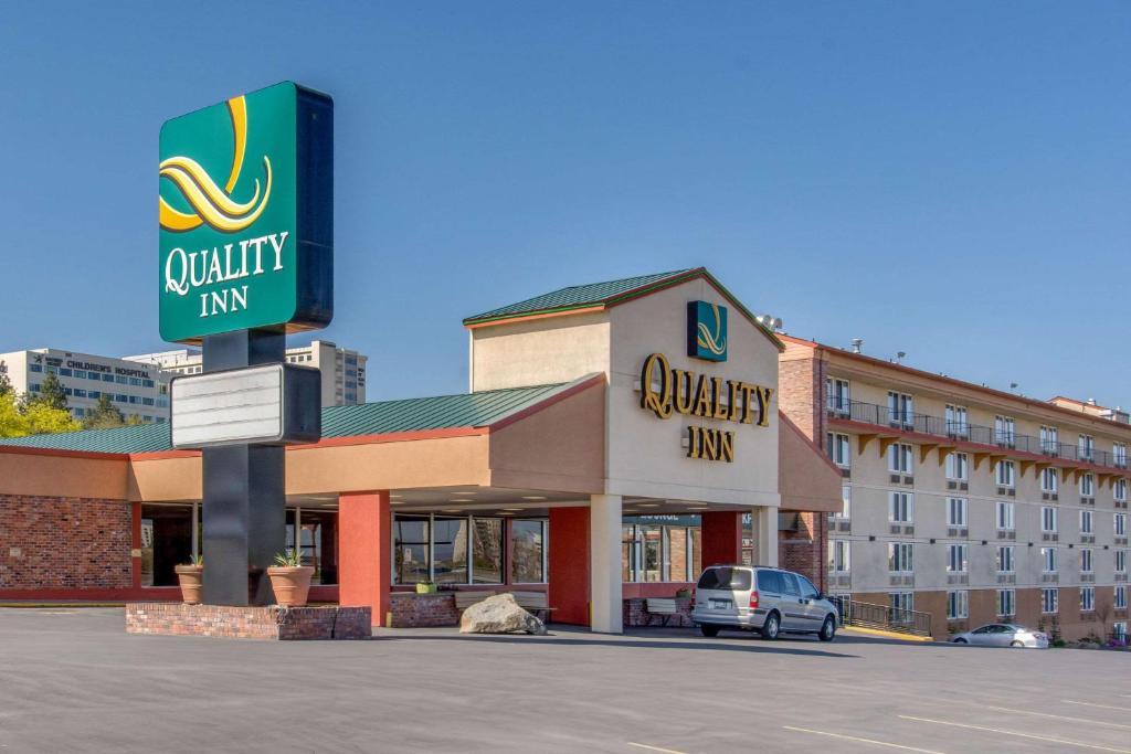 quality inn spokane downtown 4th avenue spokane. Black Bedroom Furniture Sets. Home Design Ideas