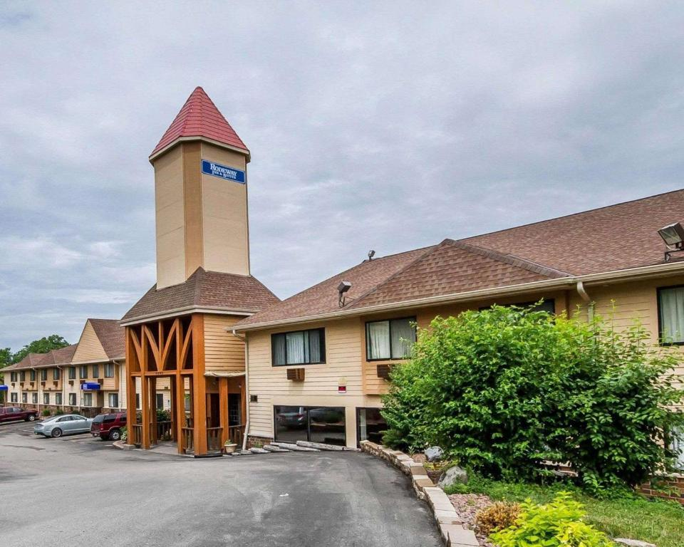 rodeway inn suites wisconsin madison wi booking com rh booking com