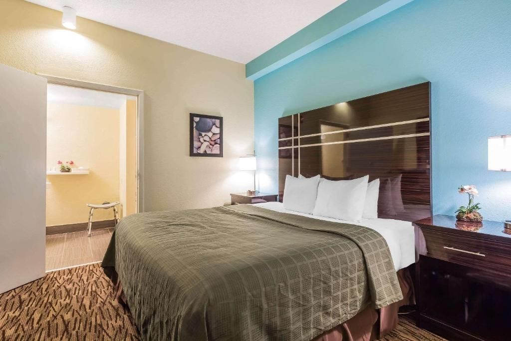 Quality Suites Deerfield Beach
