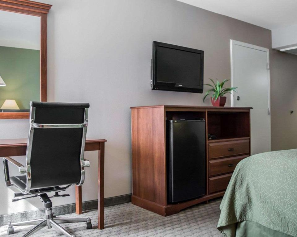Quality Inn & Suites Near Fairgrounds & Ybor City