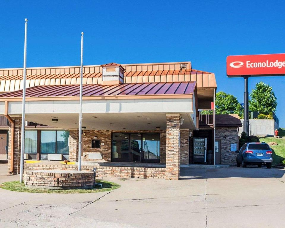Econo Lodge Jefferson City Mo Booking Com