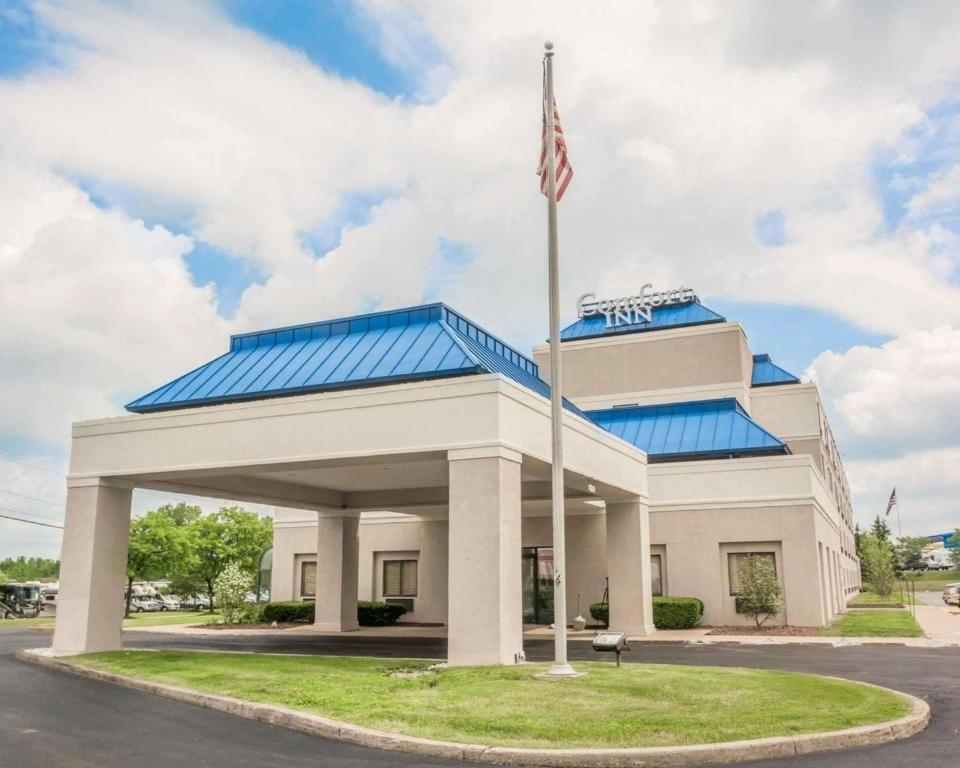 Comfort Inn Syracuse Fairgrounds Reserve Now Gallery Image Of This Property