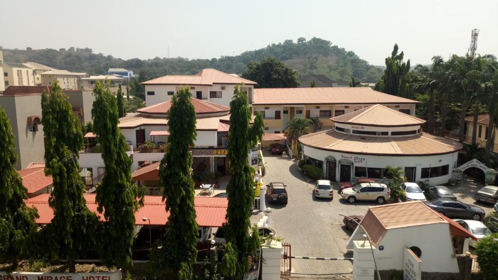 Een luchtfoto van Grand Mirage Hotel Abuja