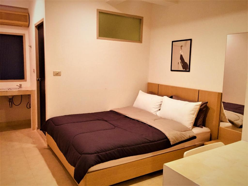 Bed Breakfast Home In A Vintage Style Thai Restaurant Rm2 Peace