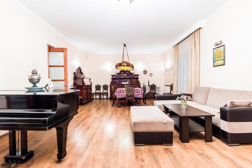 Apartment at 12 Baratashvili street