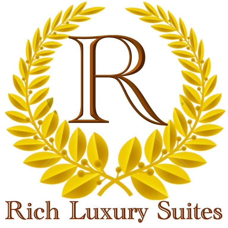 リッチ ラグジュアリー スイーツ(Rich Luxury Suites)