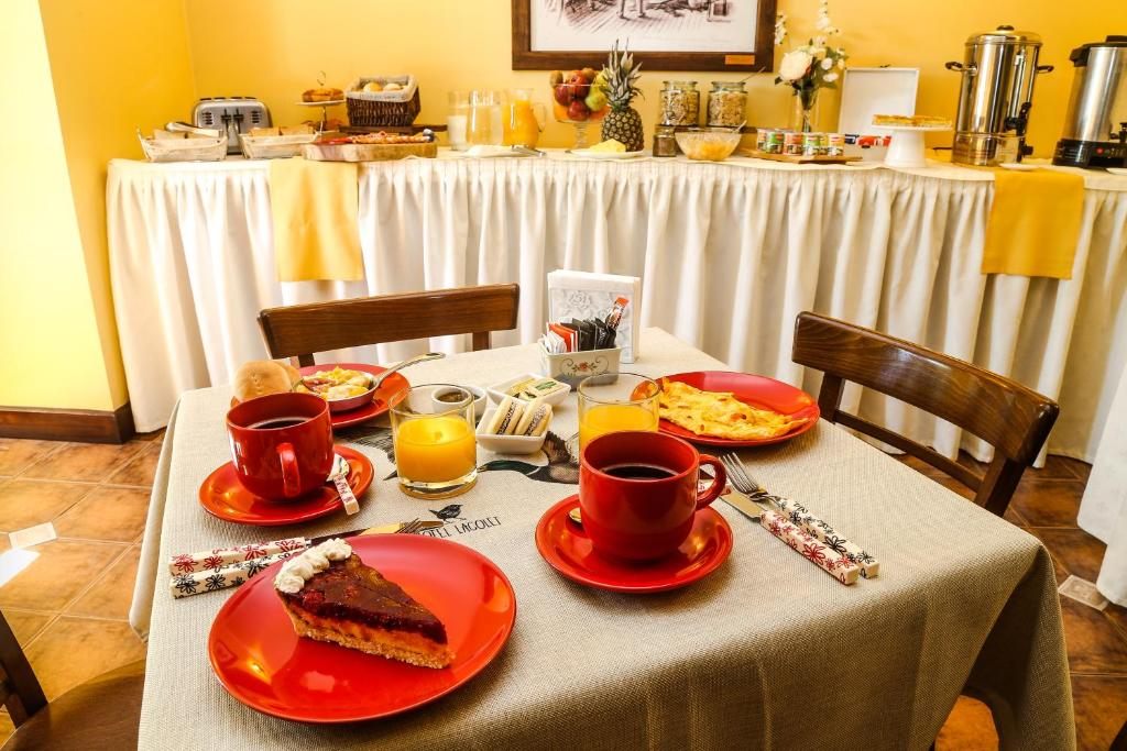 Breakfast options available to guests at Hotel Lacolet