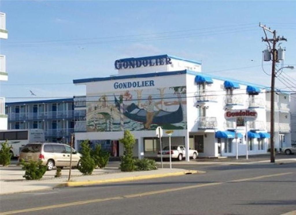 Gondolier motel wildwood wildwood crest nj for Pool show new jersey