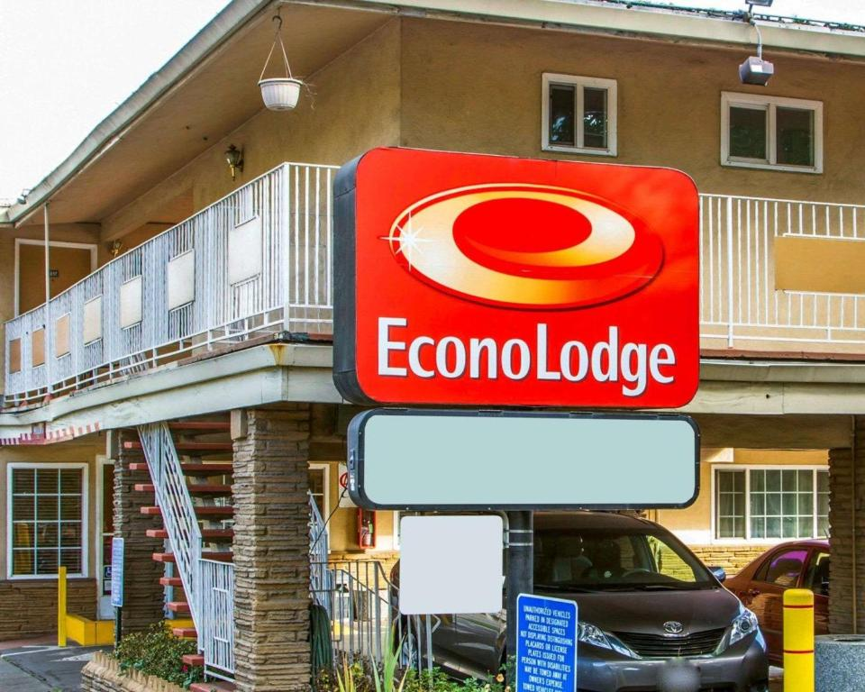 Econo Lodge Sacramento Ca Booking Com