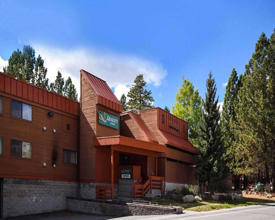 クオリティ イン ニア マンモス マウンテン スキー リゾート(Quality Inn near Mammoth Mountain Ski Resort)