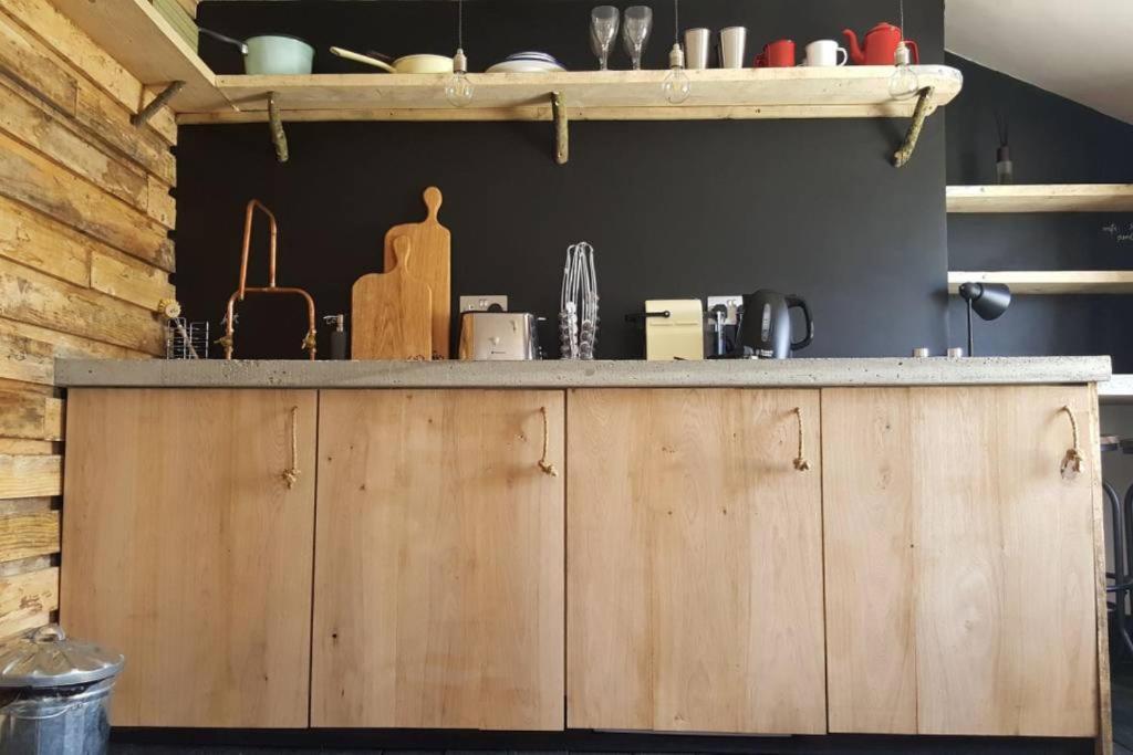 Küche/Küchenzeile in der Unterkunft Treehouse loft in Central Hove Brighton