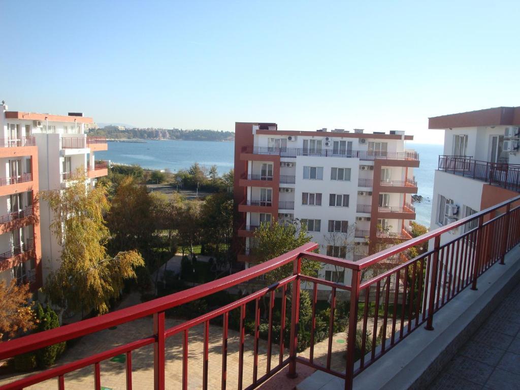 Апартамент Riviera Fort Апартаментs CTS - Равда