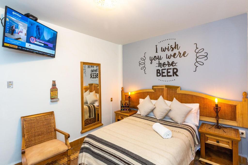 Resultado de imagen para beer hotel mala vecindad