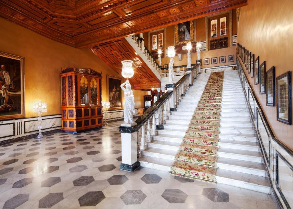 Hotel Falaknuma Palace, Hyderabad, India - Booking.com