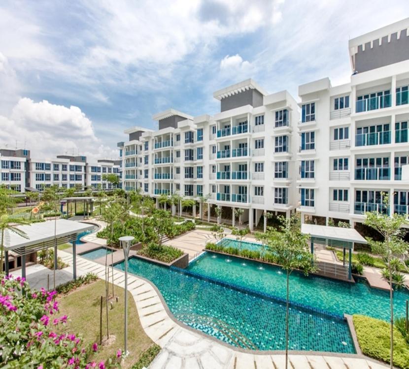 Putra 1 Pool Homestay Bandar Seri Putra Kampong Sungai Buah