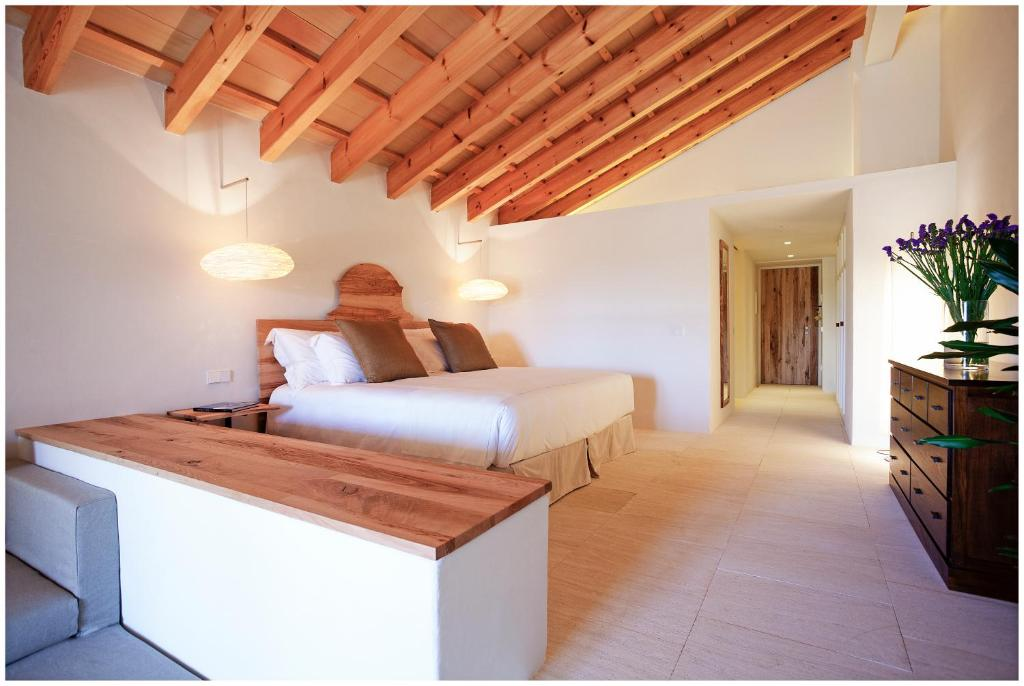 boutique hotels in menorca  296