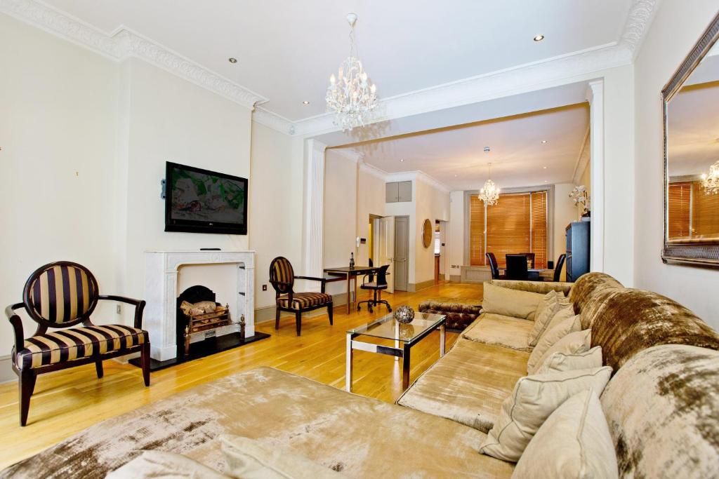3 Bed Apartment Chelsea Sk London Uk Bookingcom - Excellent-3-bedroom-london-apartment-in-chelsea-area