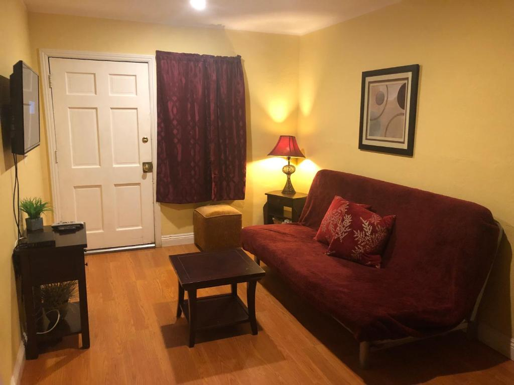 Vacation Home Nice Home In Burbank Ca Booking Com