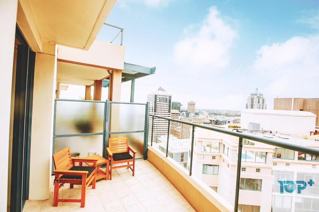 Stylish Duplex Apartment In Sydney Cbd Free Parking Australia