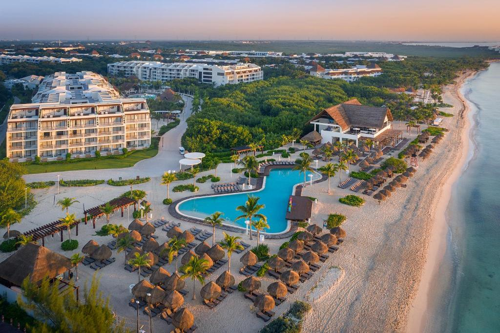 A bird's-eye view of Ocean Riviera Paradise All Inclusive