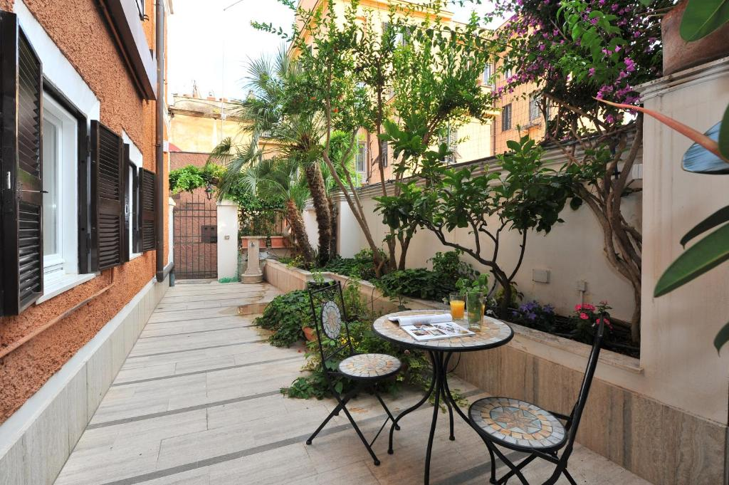 Apartment Gorgeous Flat Near Colosseum Rome Italy Booking Com