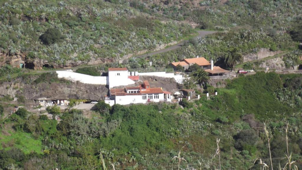 A bird's-eye view of El Laurelar encantado