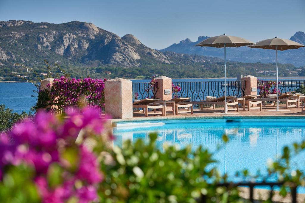 The swimming pool at or near Villa del Golfo Lifestyle Resort
