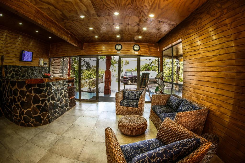 The lobby or reception area at Easter Island Ecolodge