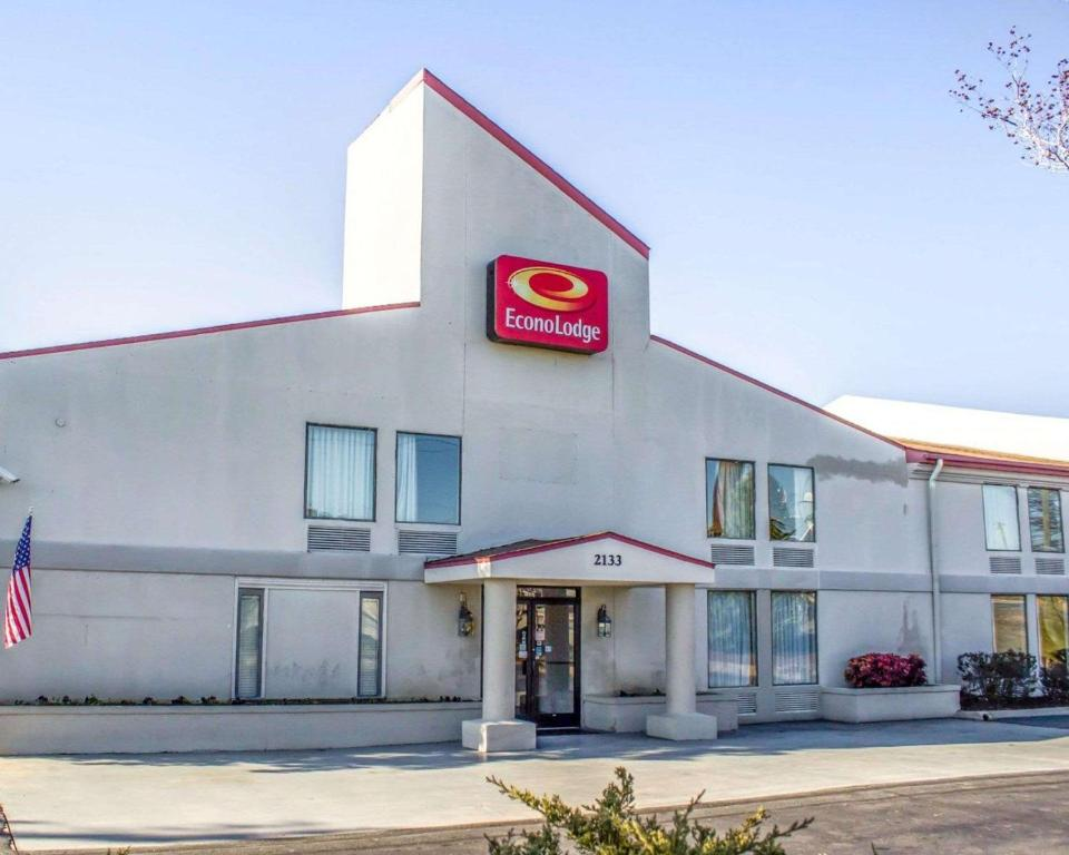 Econo Lodge Burlington Nc Booking Com